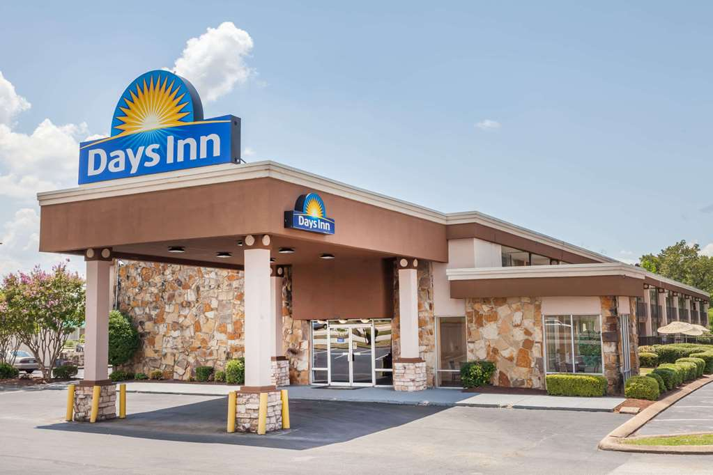 Gallery image of Days Inn by Wyndham Jackson