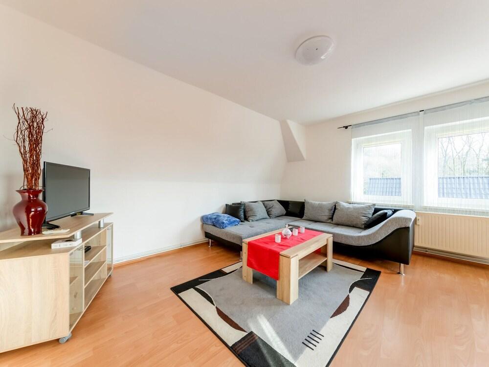 Cosy Apartment in Coswig Near River