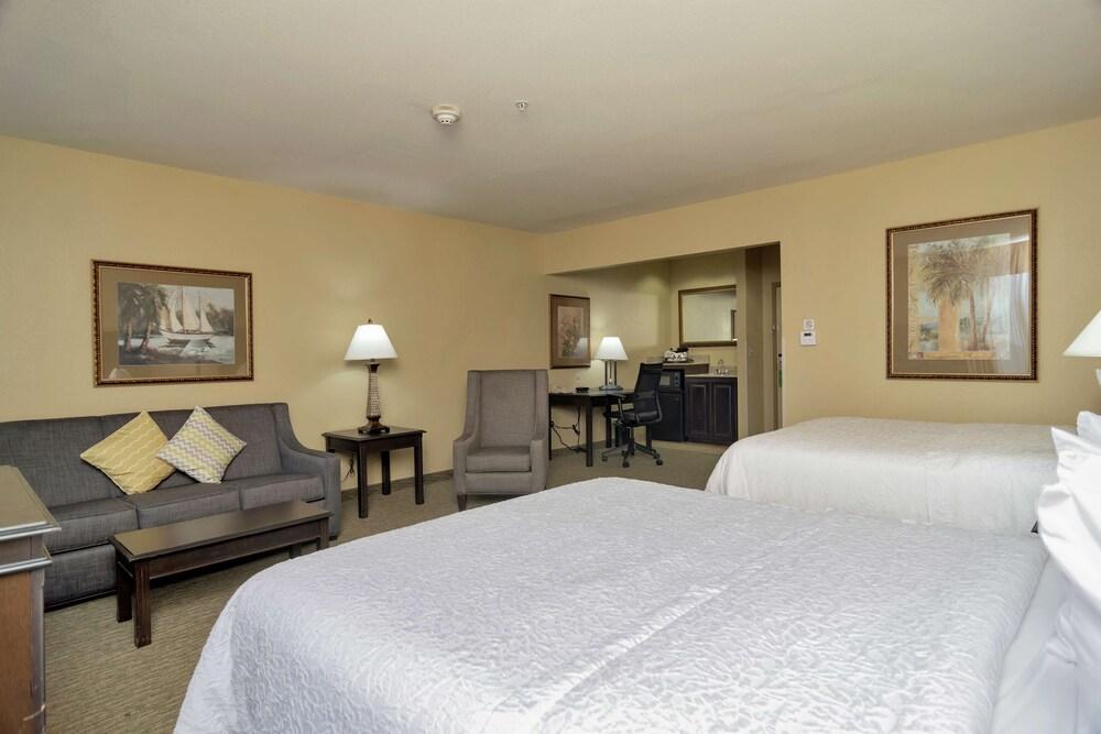 Gallery image of Hampton Inn & Suites Dallas Dfw Arpt W Sh 183 Hurst