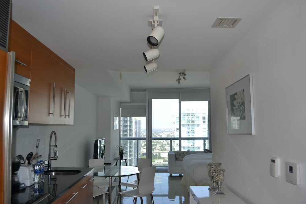 Nuovo Miami Apartments at Icon Brickell