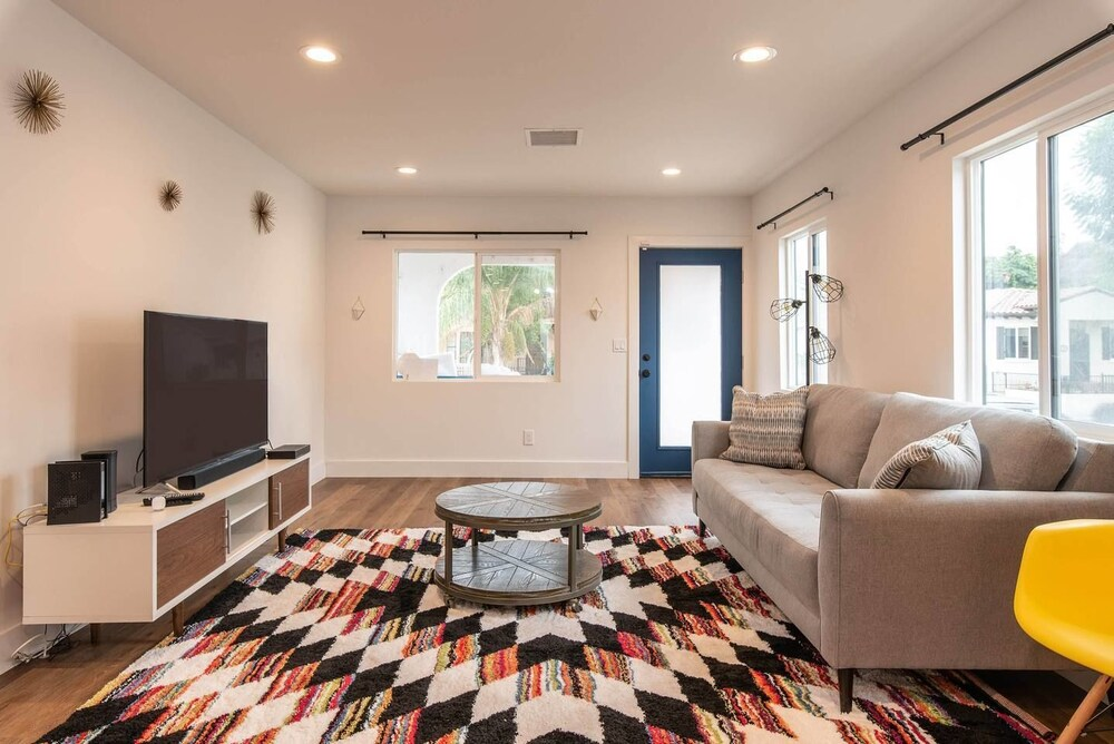 Newly Remodeled 3 BDR House Near Dodgers Stadium