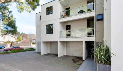 Carlton Villa 2