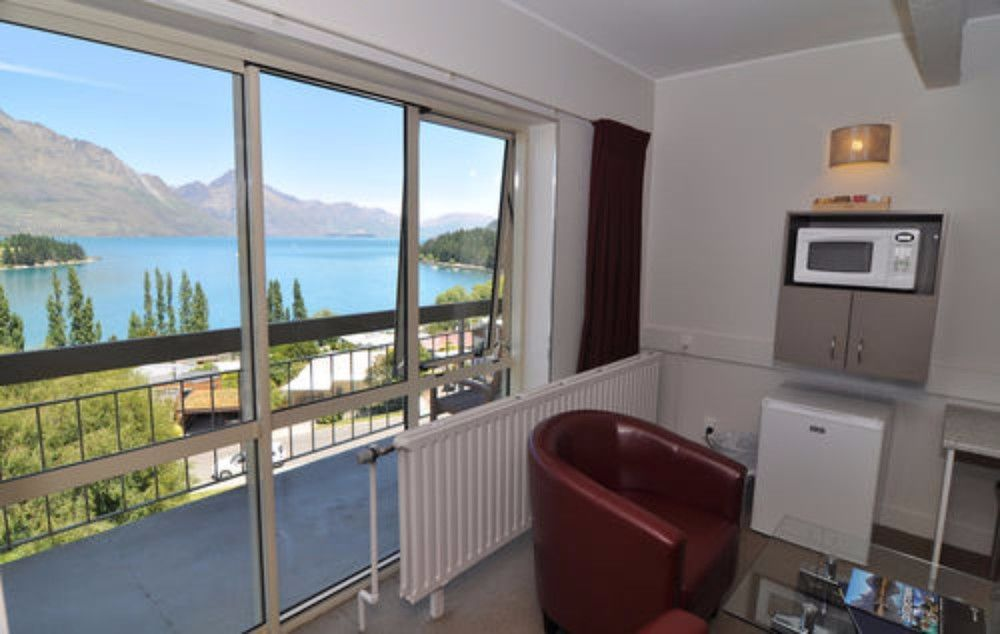 Gallery image of Earnslaw Lodge