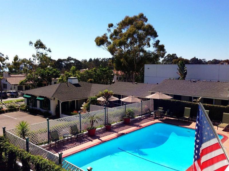 Gallery image of Coast Village Inn