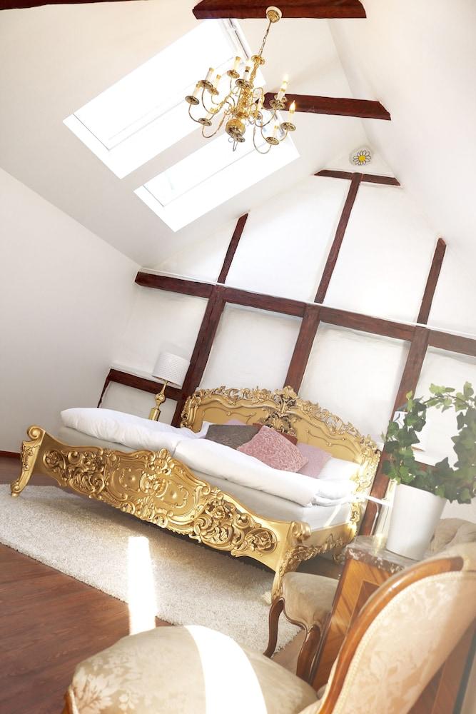 Divine Living Apartments