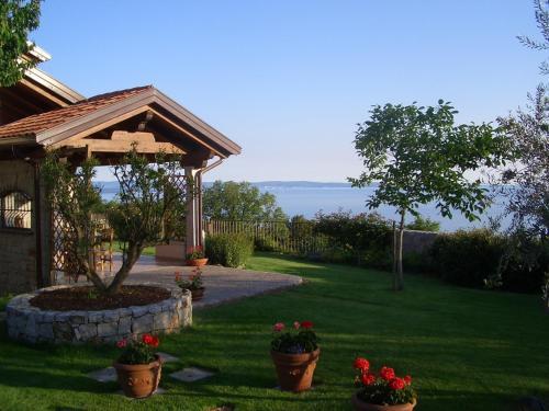 Cosy Room In Villa With Sea View