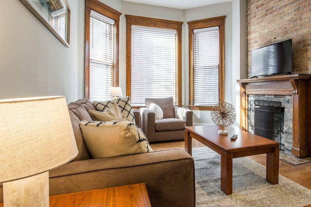 Cozy Depaul 2bdr Near Train University And Cubs