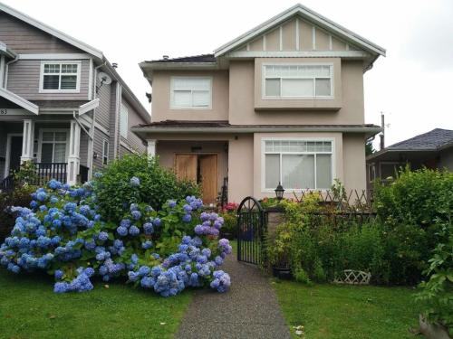 Helen's House Close to Skytrain and Airport