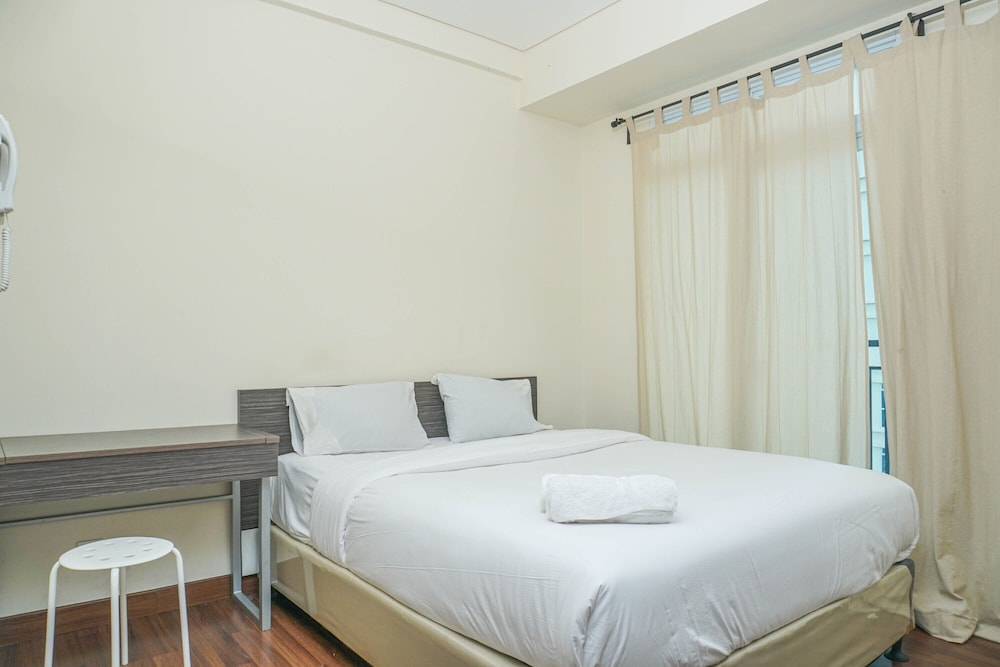 Cozy Studio Apartment at Puri Orchard near Shopping Mall By Travelio
