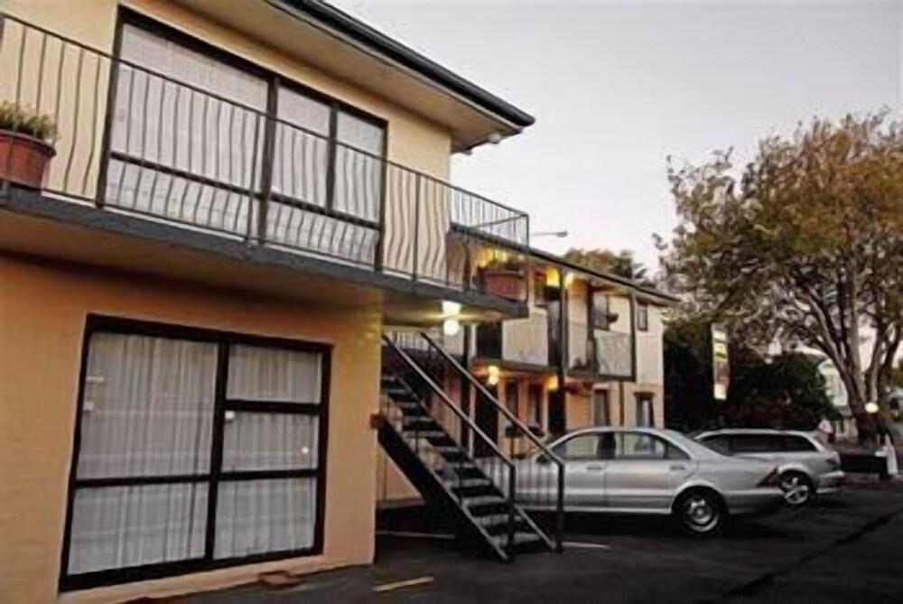 Avalon Court Accommodation