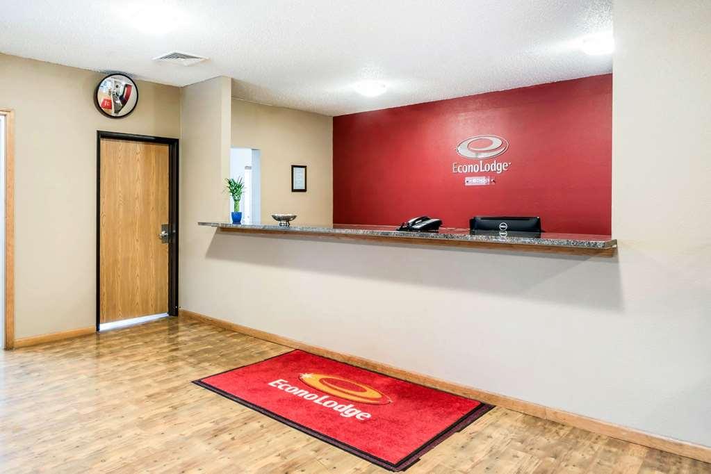 Gallery image of Econo Lodge Waupaca Chain O'Lakes