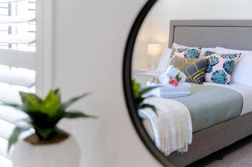 Artemis Modern 2 bedrooms unit in Castor Bay