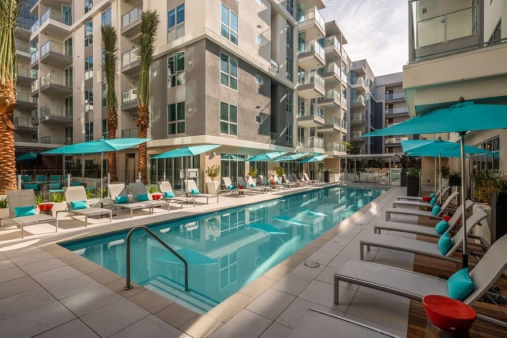 Resort Style Suites in Downtown LA
