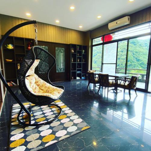 Hsiang Hsiang Manor