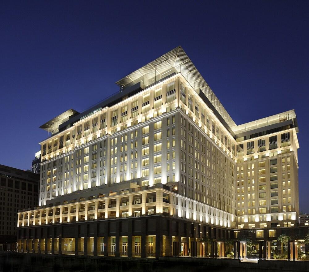 The Ritz Carlton Executive Residences