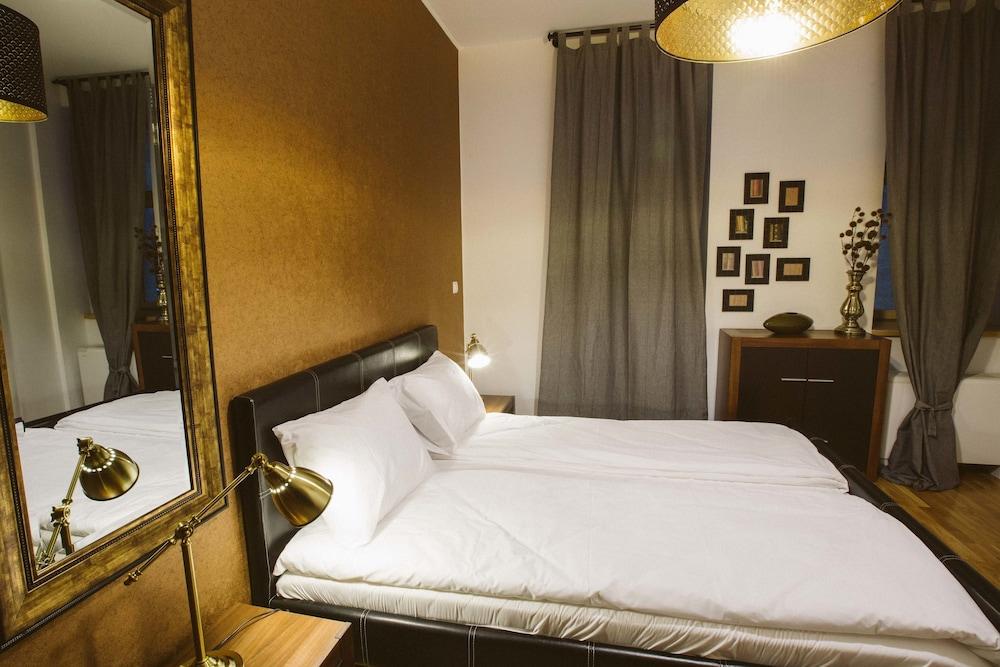 Alteea 2 Deluxe Bucharest Apartments
