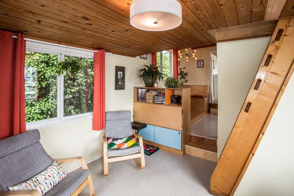 Luxury Houseboat Best in Seattle 3BR