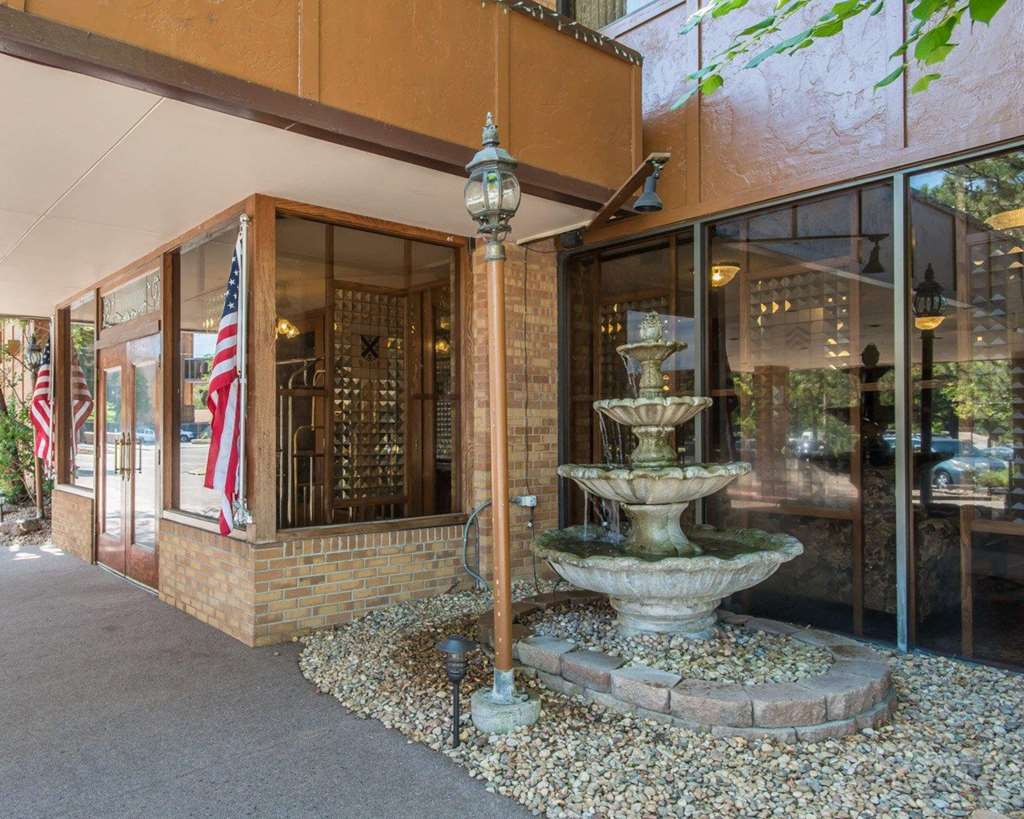Rodeway Inn and Suites The Broker