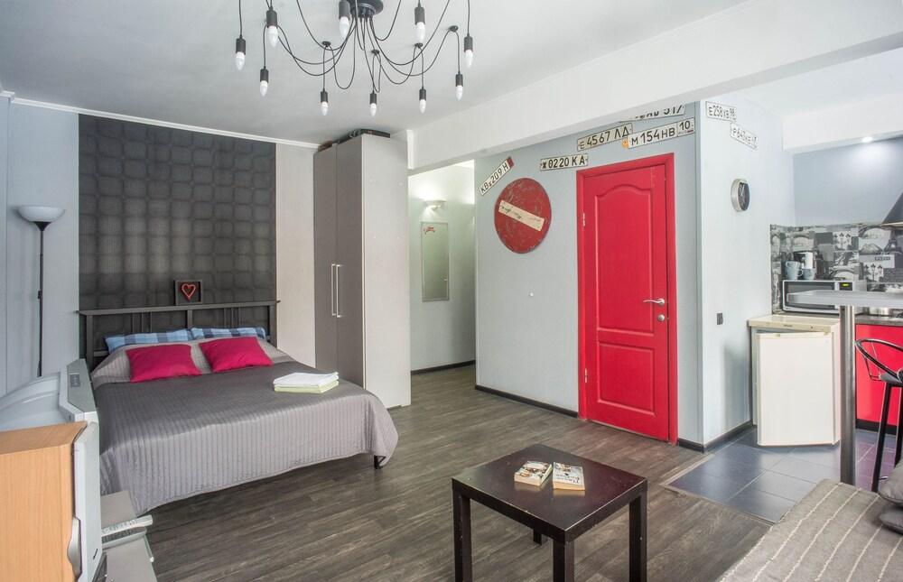 Loft78 Red Doors