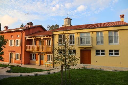 Casa Lenka