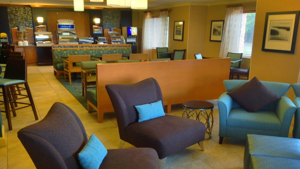 Gallery image of Holiday Inn Express Bluffton at Hilton Head Area