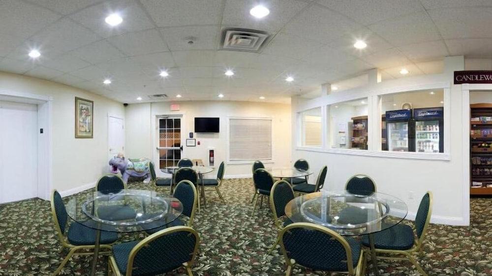 Gallery image of Candlewood Suites St. Joseph Benton Harbor