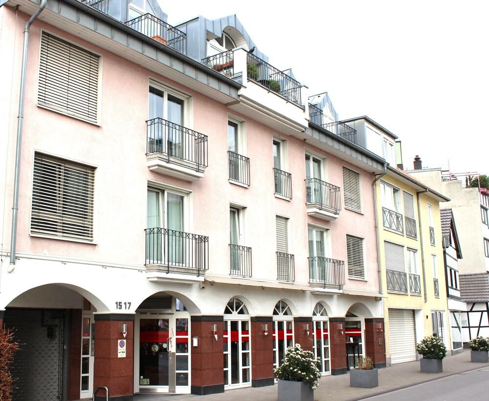 A partment Cologne Riverside
