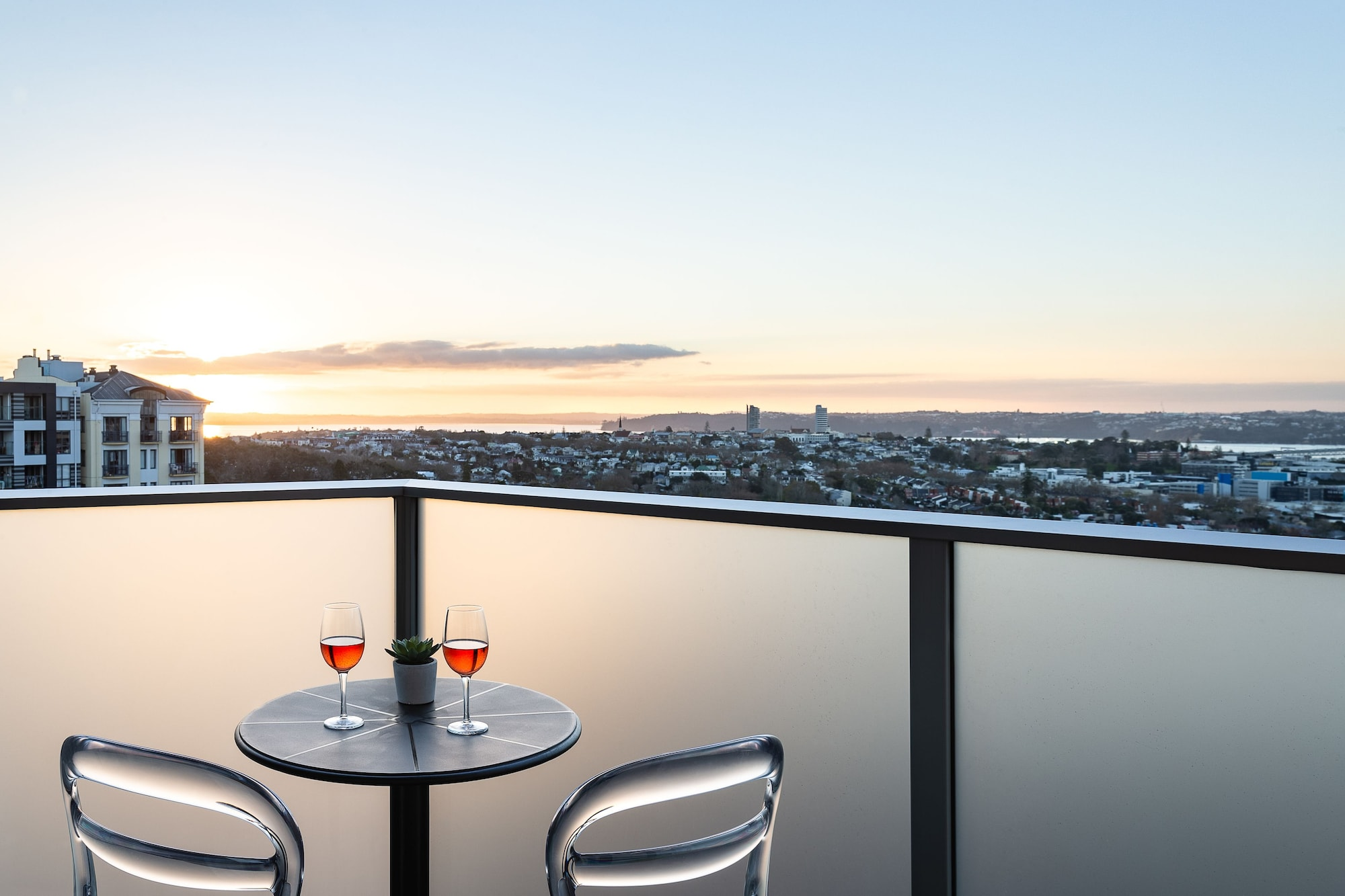 Haka Hotel Suites Auckland City
