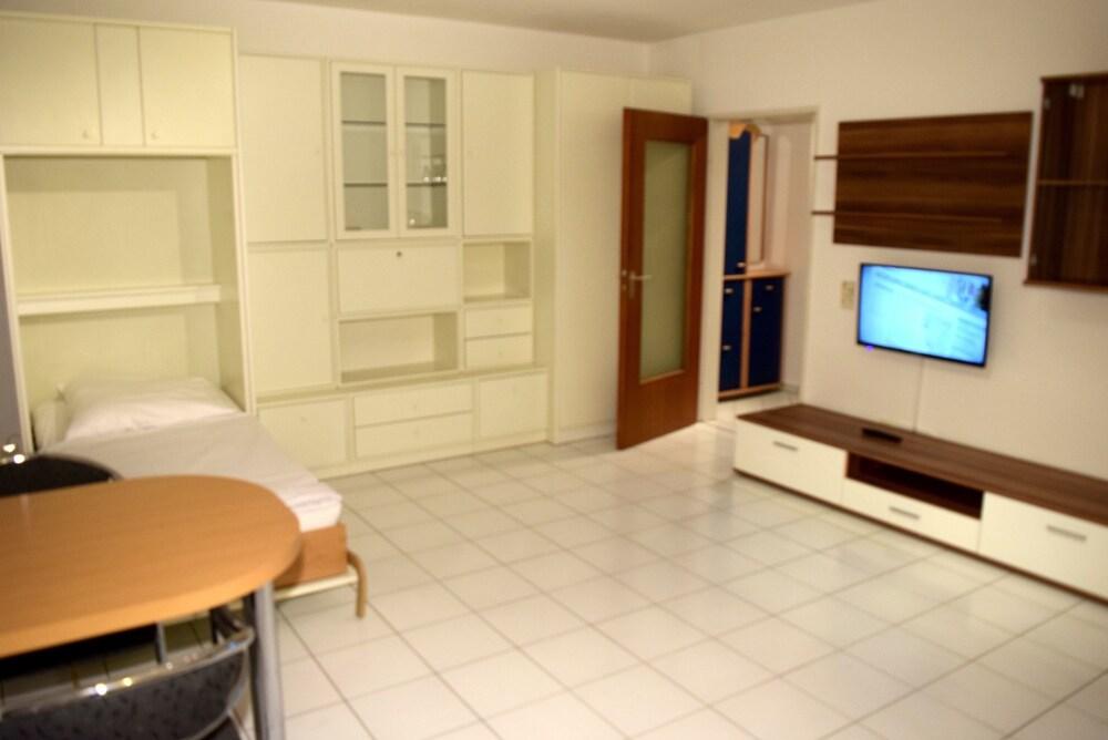 AB Apartment 79