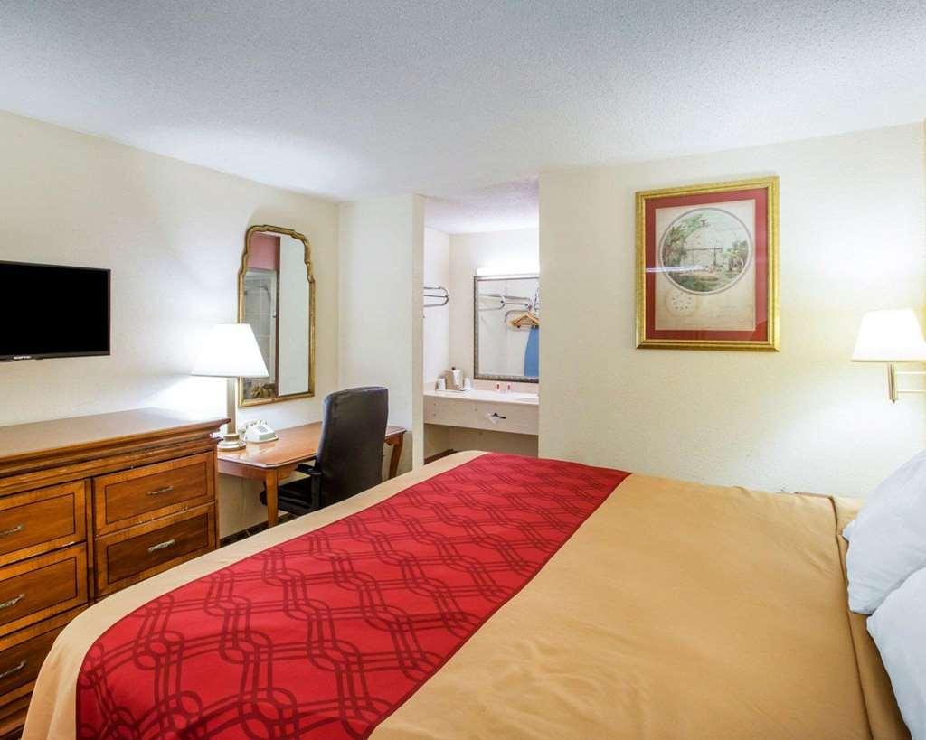 Gallery image of Econo Lodge Inn & Suites Macon