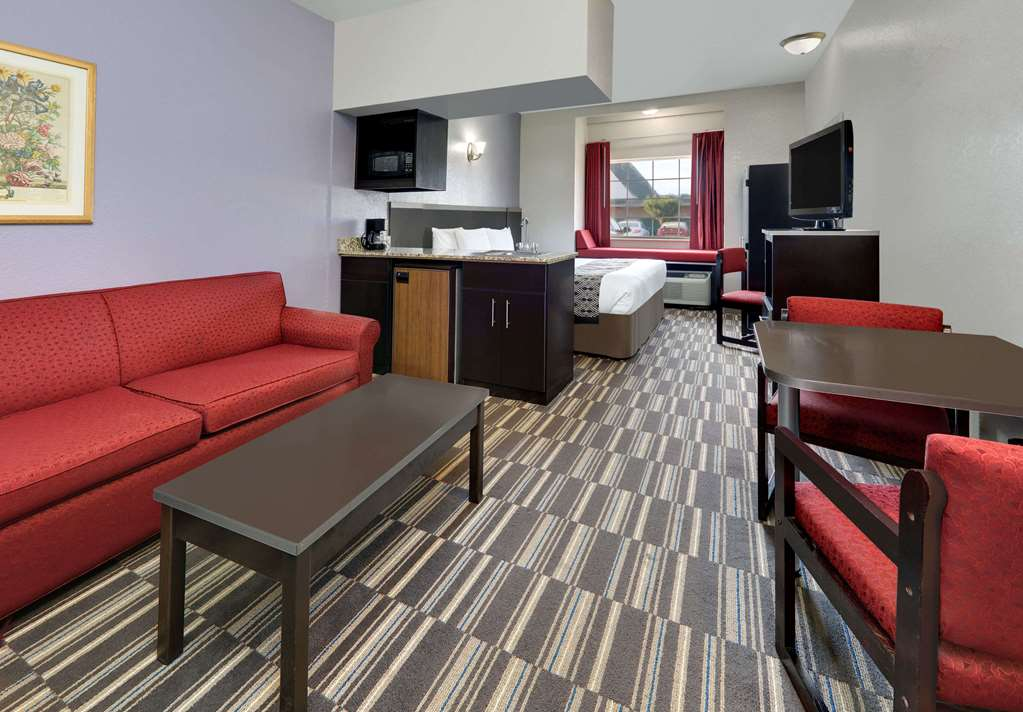 Gallery image of Microtel Inn & Suites by Wyndham Oklahoma City Airport