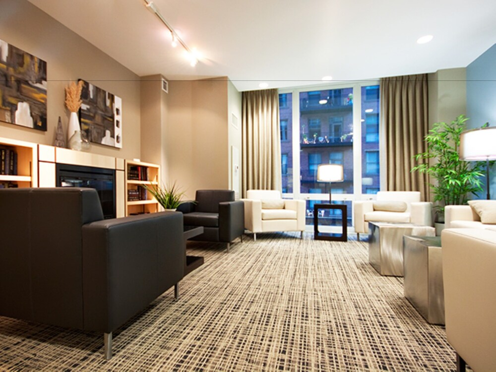 Global Luxury Apartments in Chicago