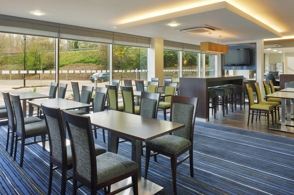 Gallery image of Holiday Inn Express Cambridge Duxford M11 Jct.10