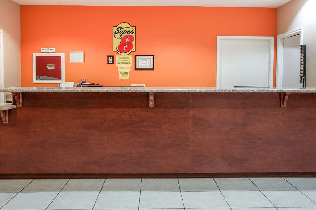 Gallery image of Super 8 by Wyndham Brenham TX