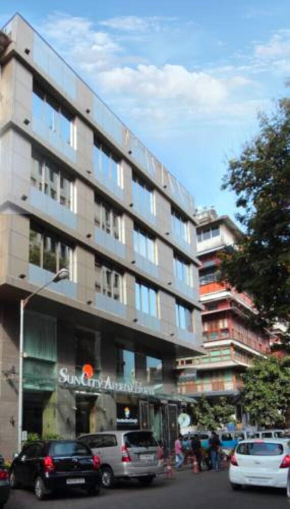 Hotel Suncity Apollo Colaba
