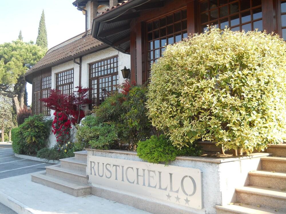 Hotel Ristorante Il Rustichello