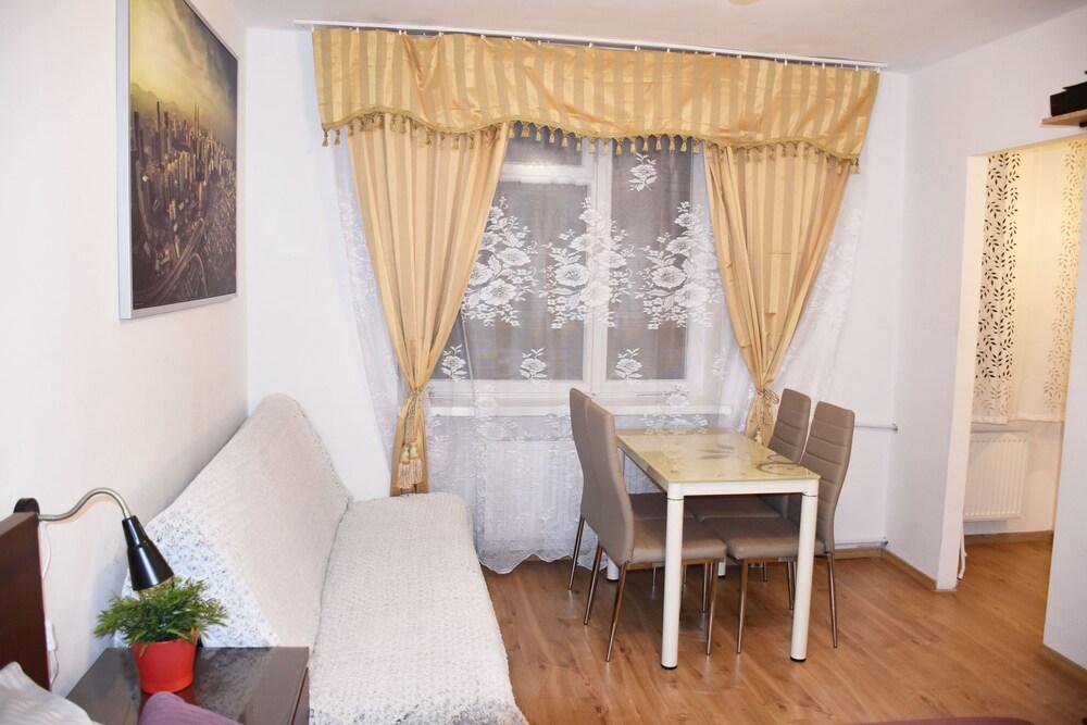 West Apartments Hoża 36