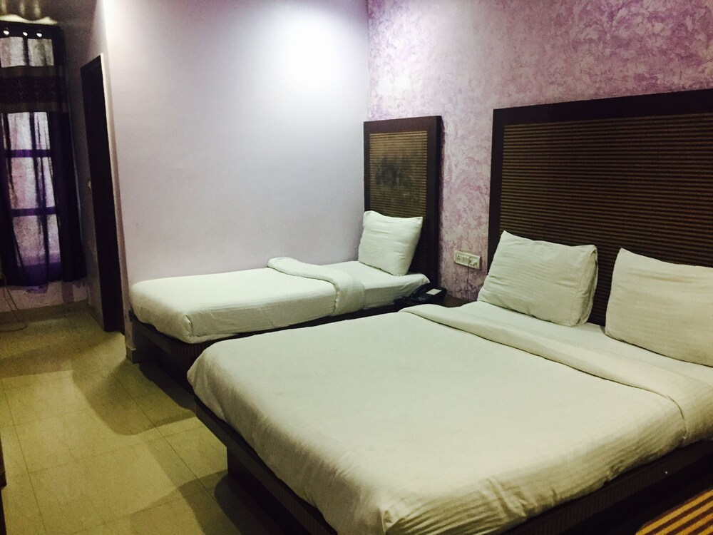 Gallery image of Hotel Star Villa