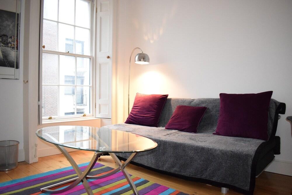 Central Dublin 2 Bedroom Apartment