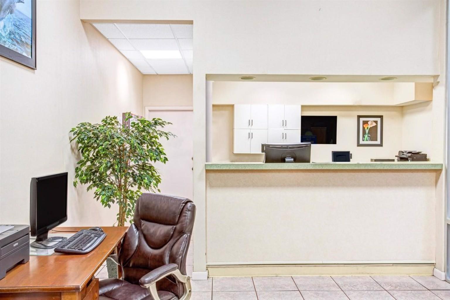 Gallery image of Days Inn Sanford