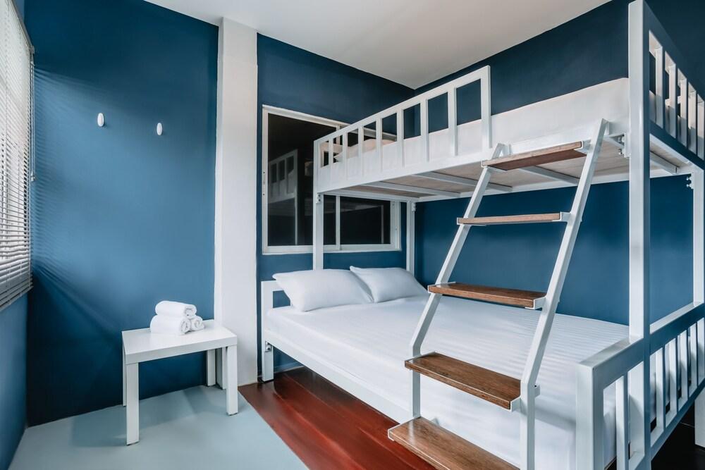 Sleepyhead Hostel