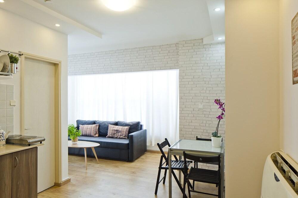 Tlv Suites Inn