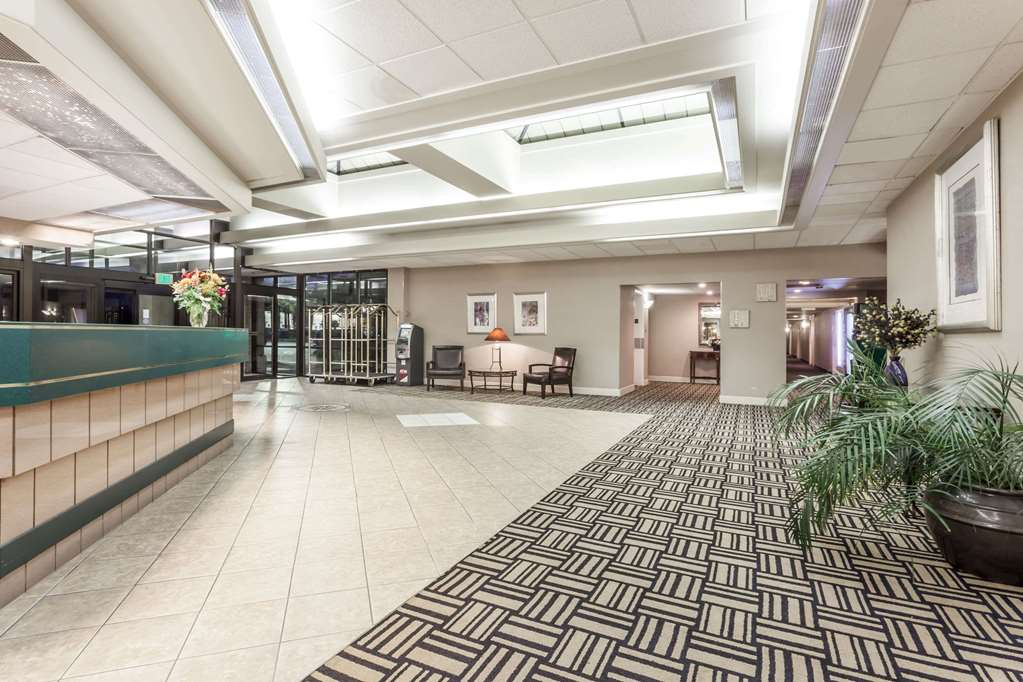 Gallery image of Howard Johnson Plaza by Wyndham Yakima