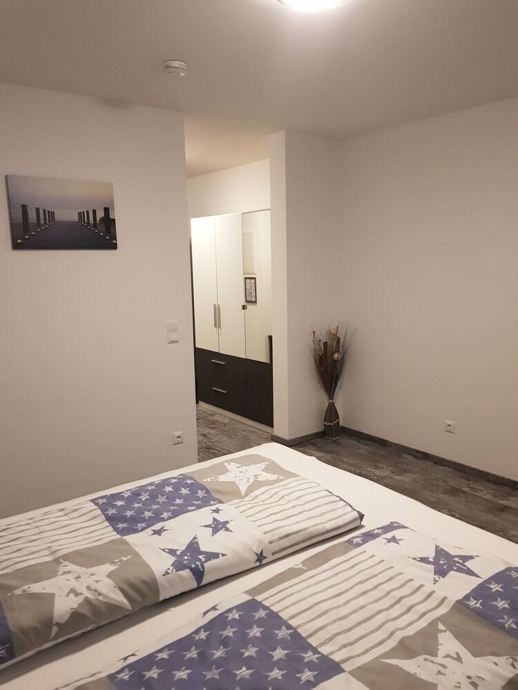 Sunnys Hotel & Residence