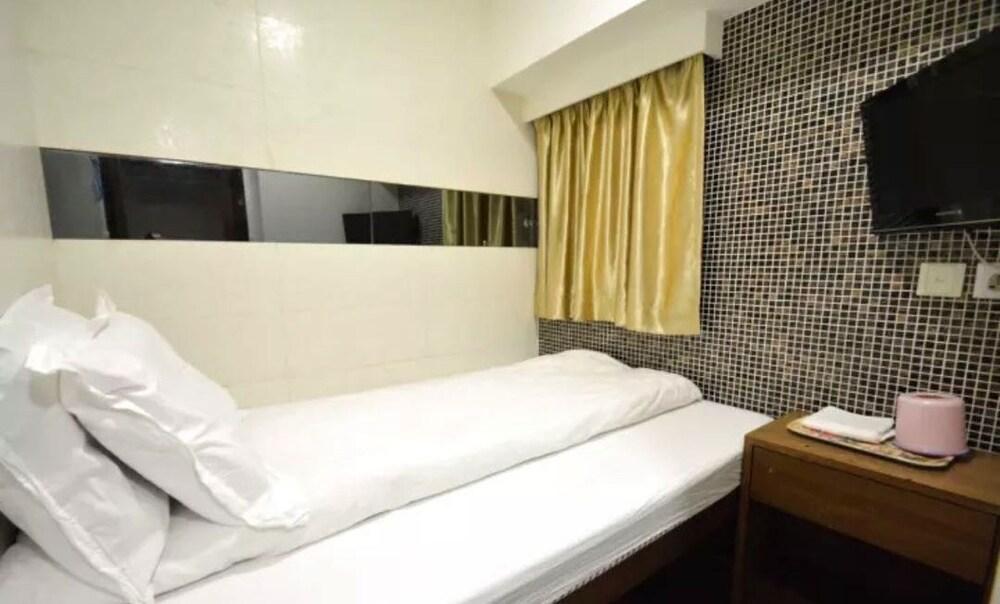 Shan Lam Shine Hostel
