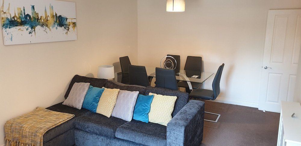 Professional Southampton City Centre 2 Bedroom Apartment