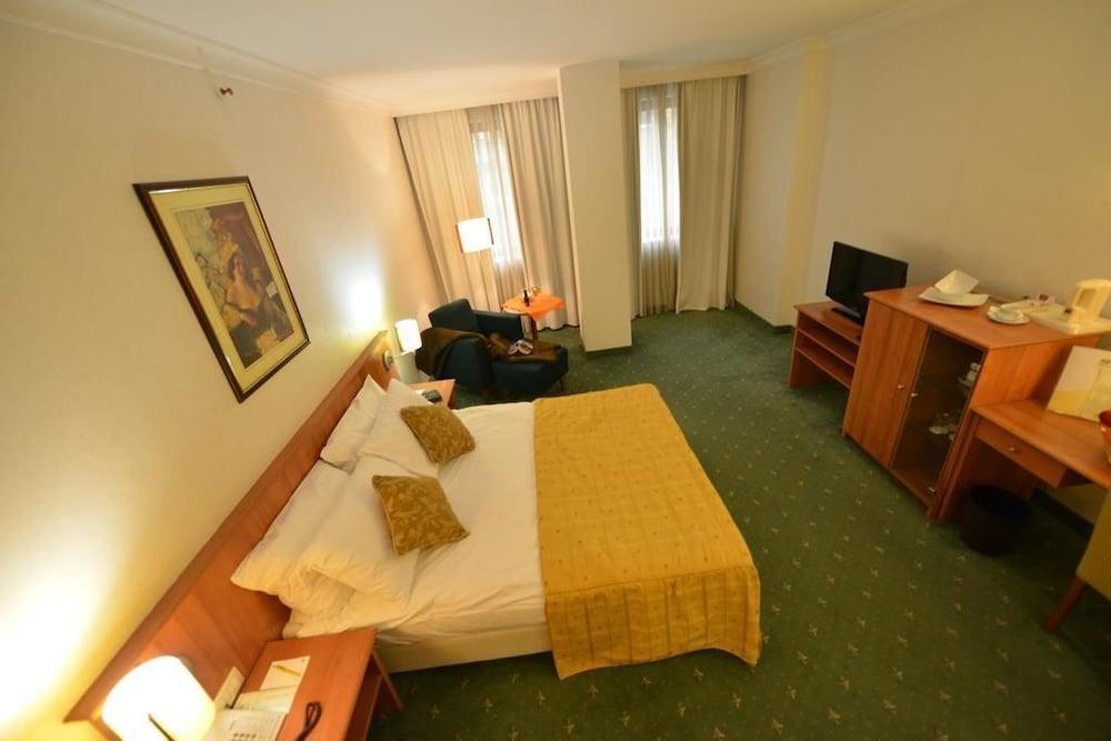 Gallery image of Karpos Hotel