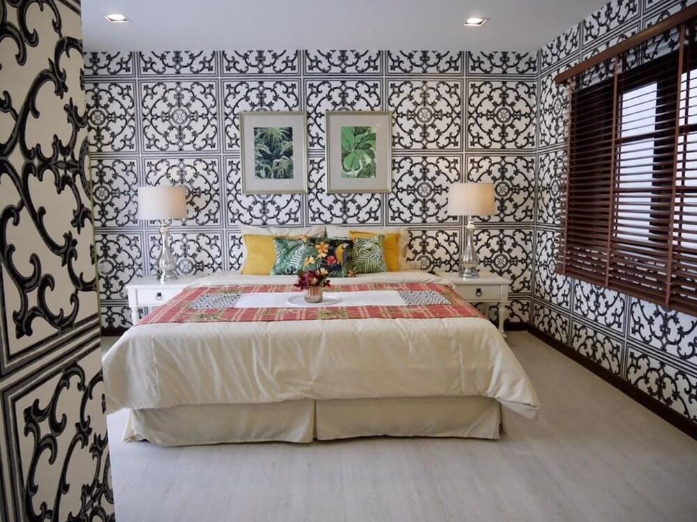 4 bedroom Luxury Apartment on Changwattana Road
