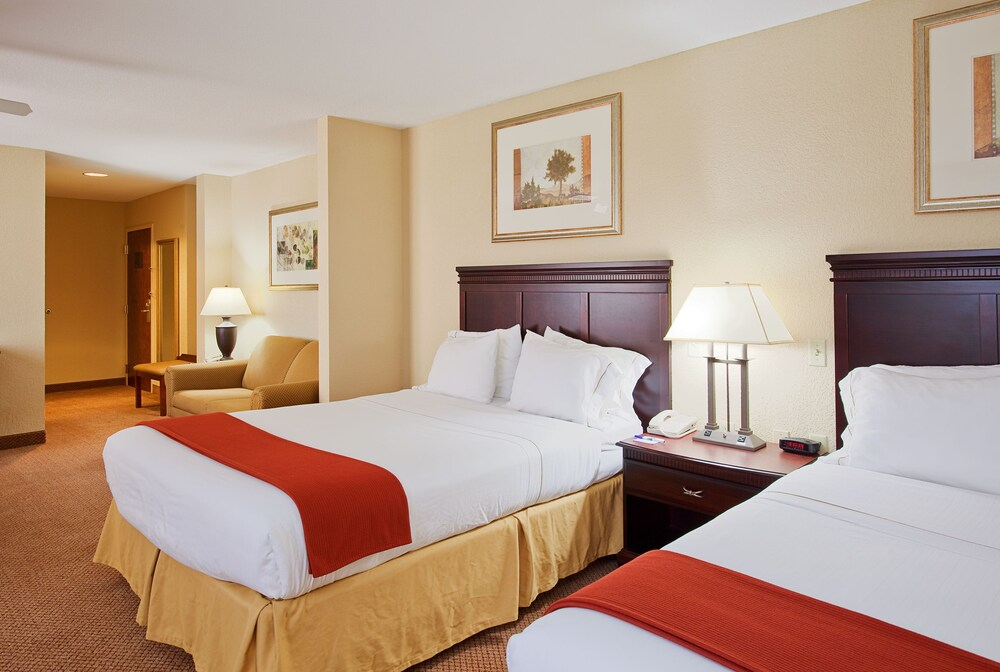 Gallery image of Holiday Inn Express Lucedale