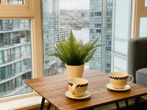 Yaletown 1 br Condo Water Views Near Waterfront and Skytrain